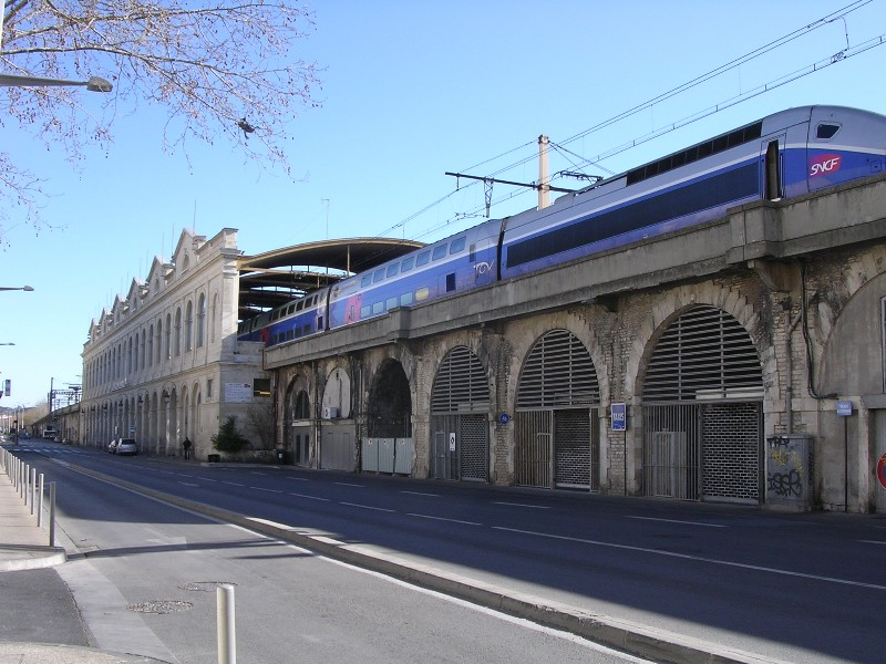 Nimes-train-station