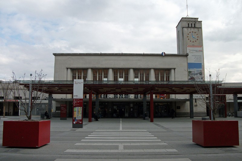 Clermont-Ferrand-train-station-main-entrance