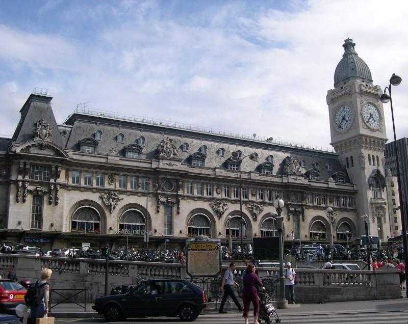 Paris Gare de Lyon Train Station - BonjourLaFrance - Helpful ... on gare montparnasse train station map, gare de lyon train schedule, gare de l'est train station map,