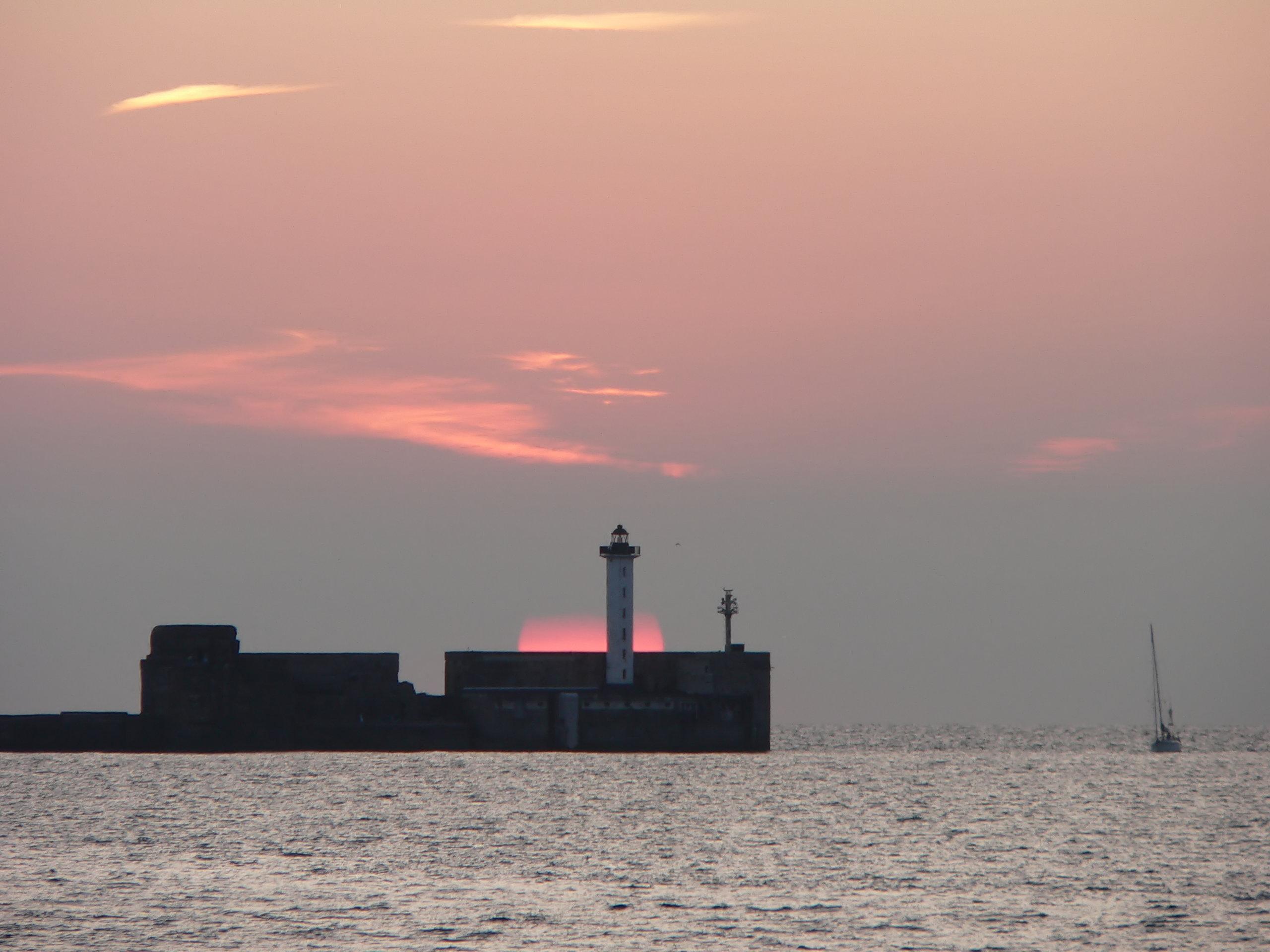 Boulogne-sur-mer-Carnot-lighthouse