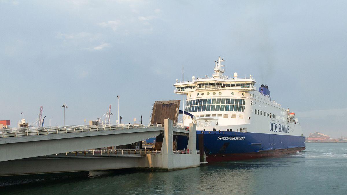 Dunkerque-ferry-port