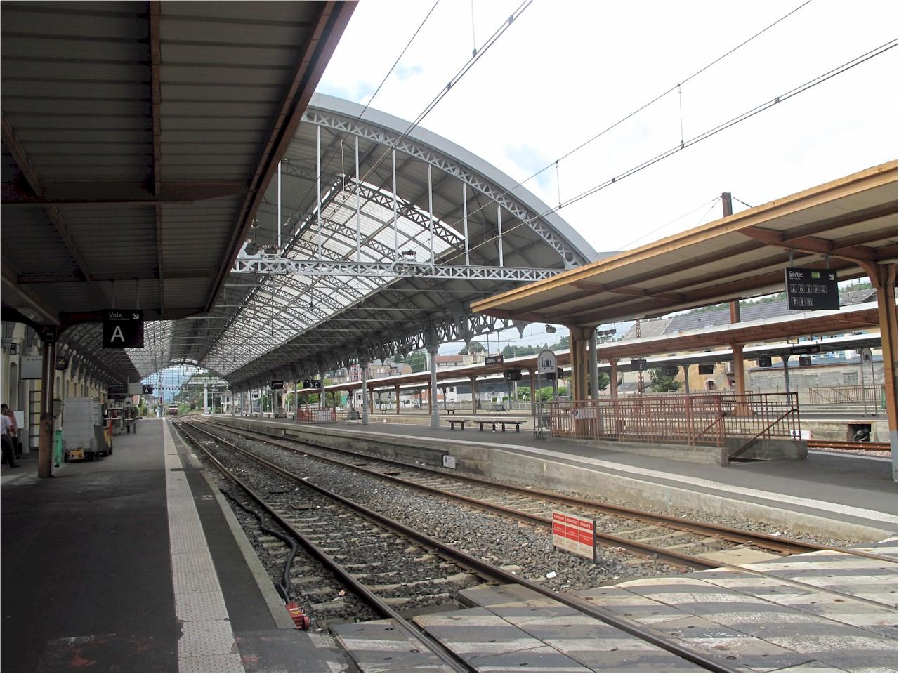 Lourdes-train-station