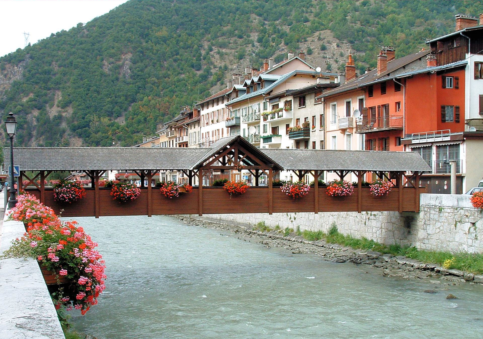Moutiers-footbridge-over-the-Isere-river