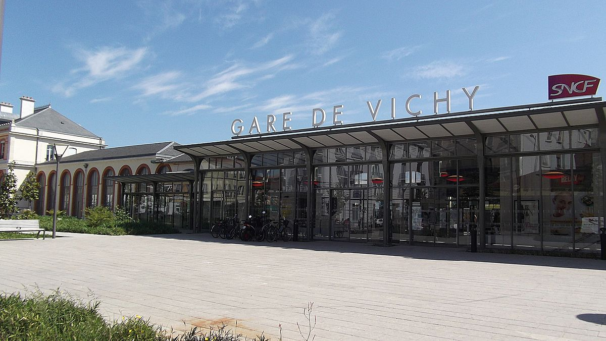 Vichy-train-station