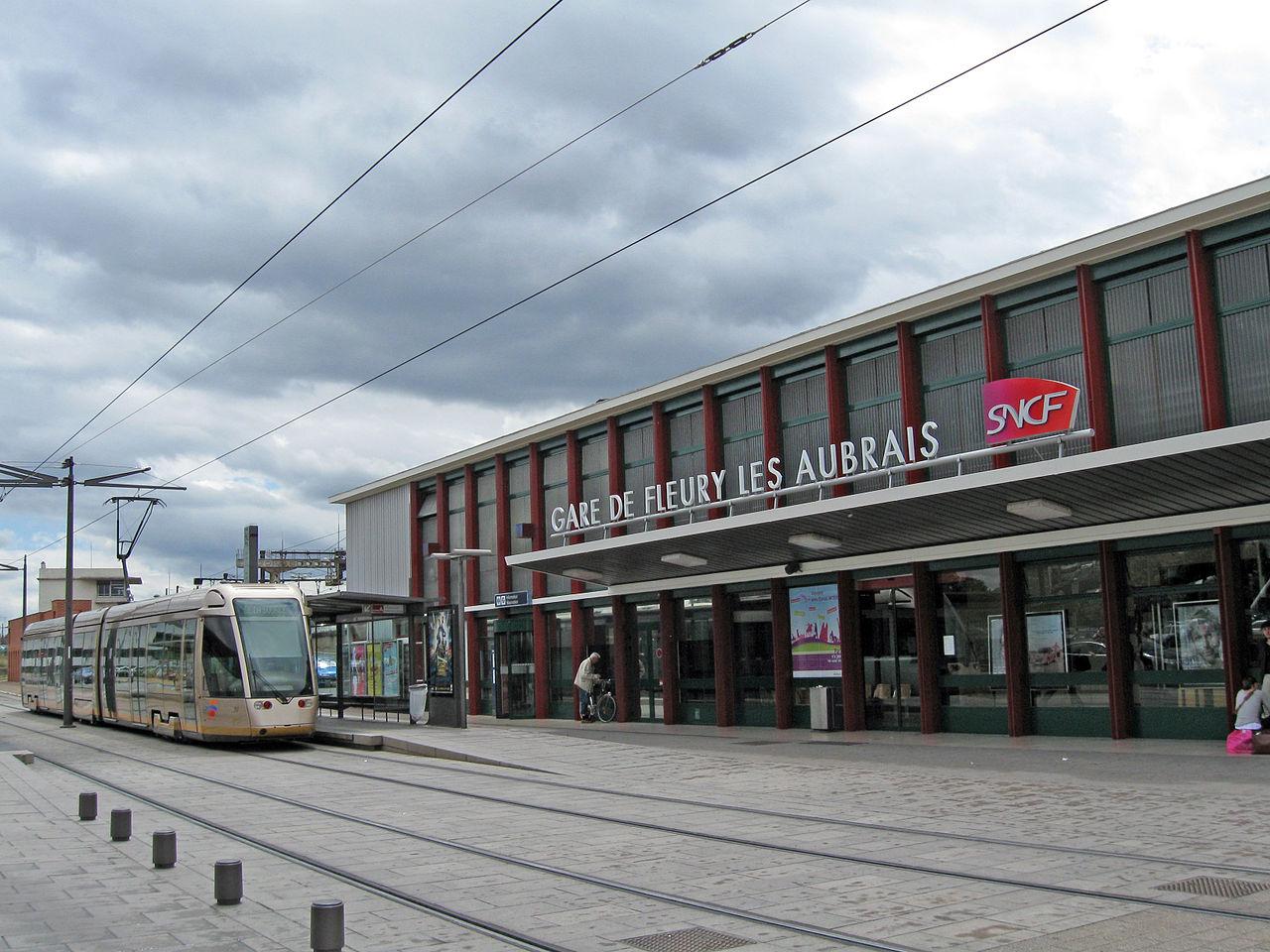 fleury-les-aubrais-train-station
