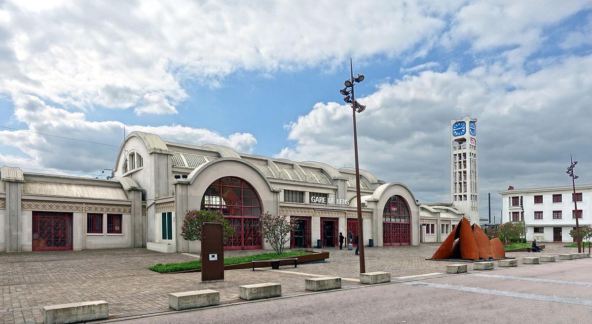 lens-train-station