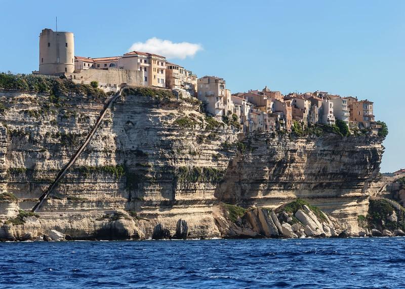 Bonifacio-cliffs-stairway-king-Aragon