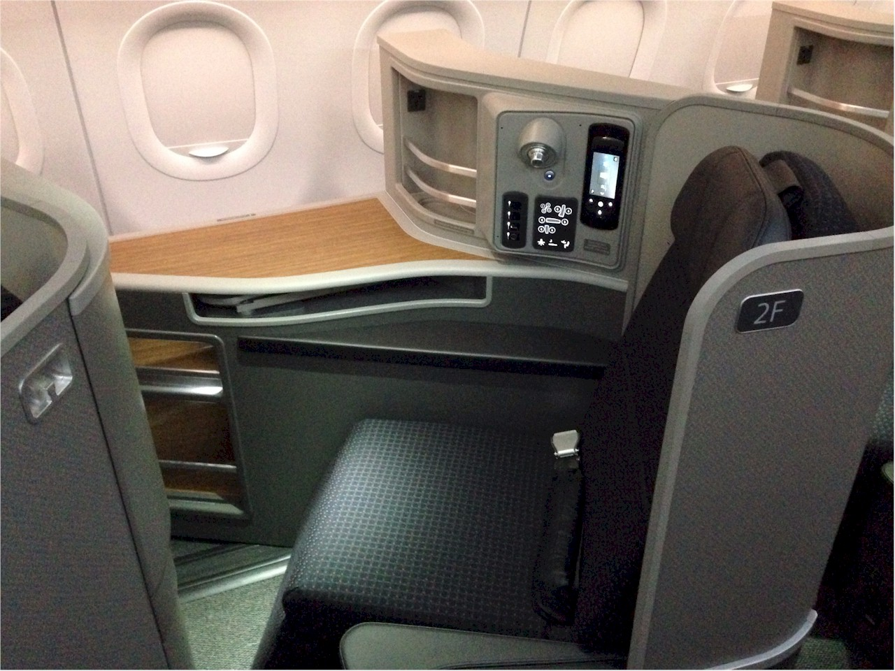 American-Airlines-A321-First-Class