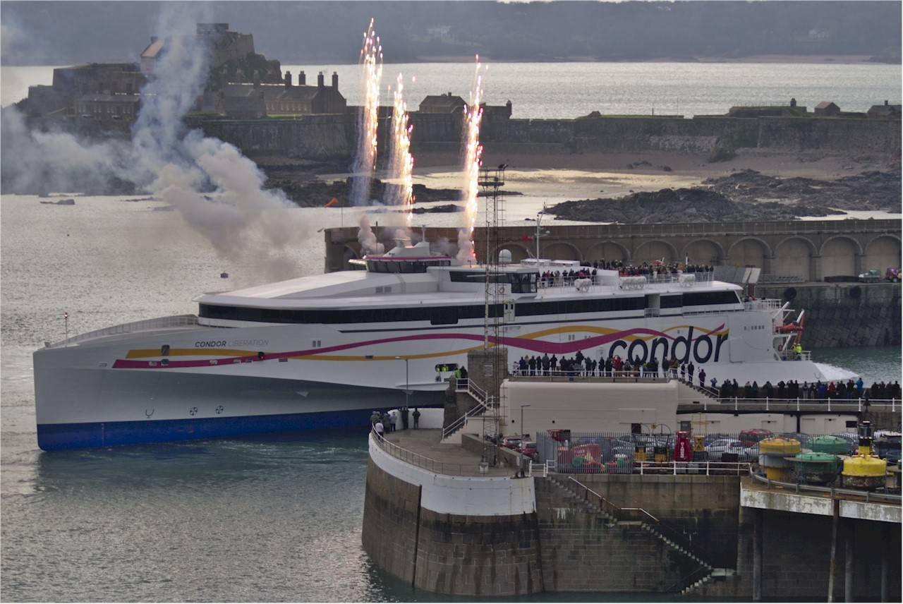 Condor-Liberation-Saint-Helier-Harbour-Jersey