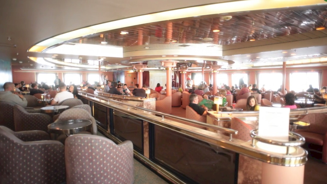 Irish-Ferries-Oscar-Wilde-Merion-Lounge