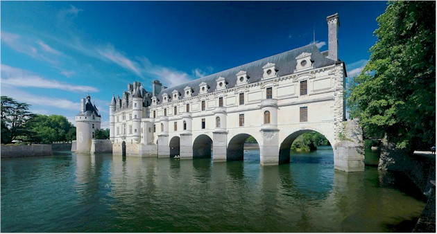 France heritage attractions - the Chateau Chenonceau