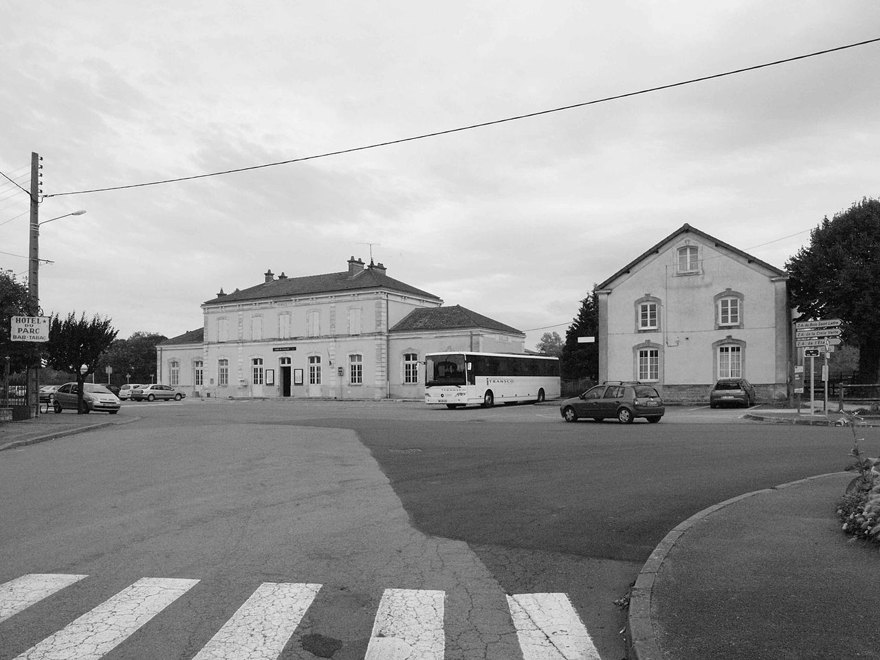 Avallon-train-station