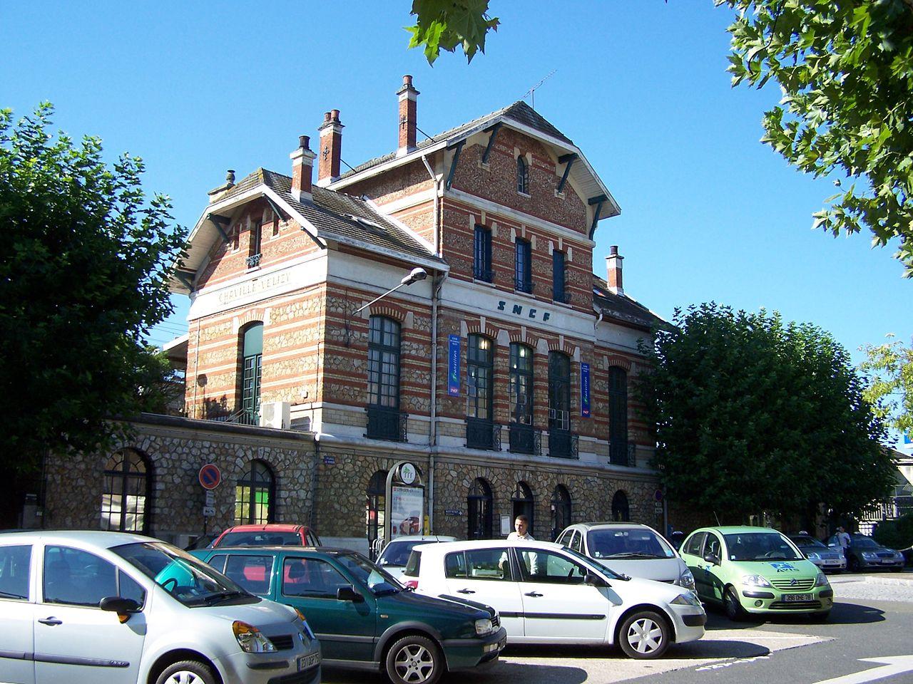 Chaville-Velizy-train-station