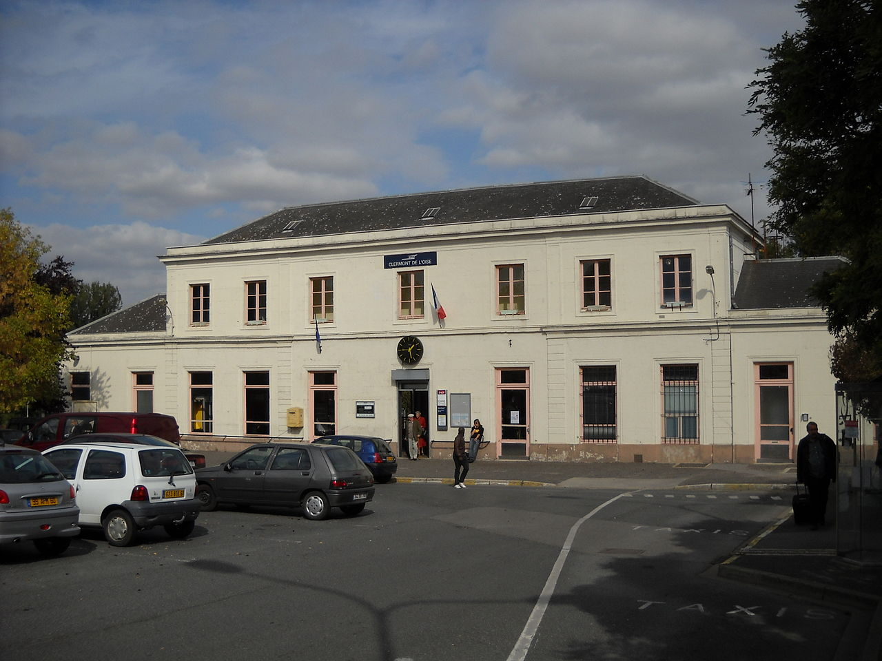 Clermont-Oise-train-station