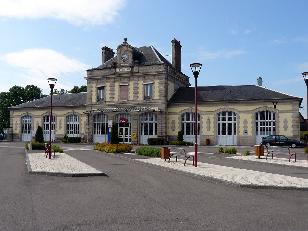 Luxeuil-les-Bains-train-station