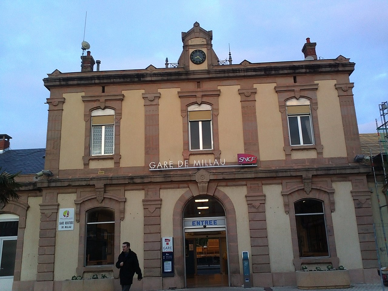 Millau-train-station