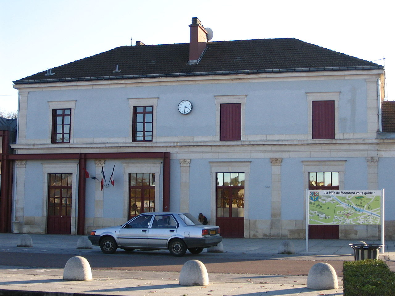 Montbard-train-station