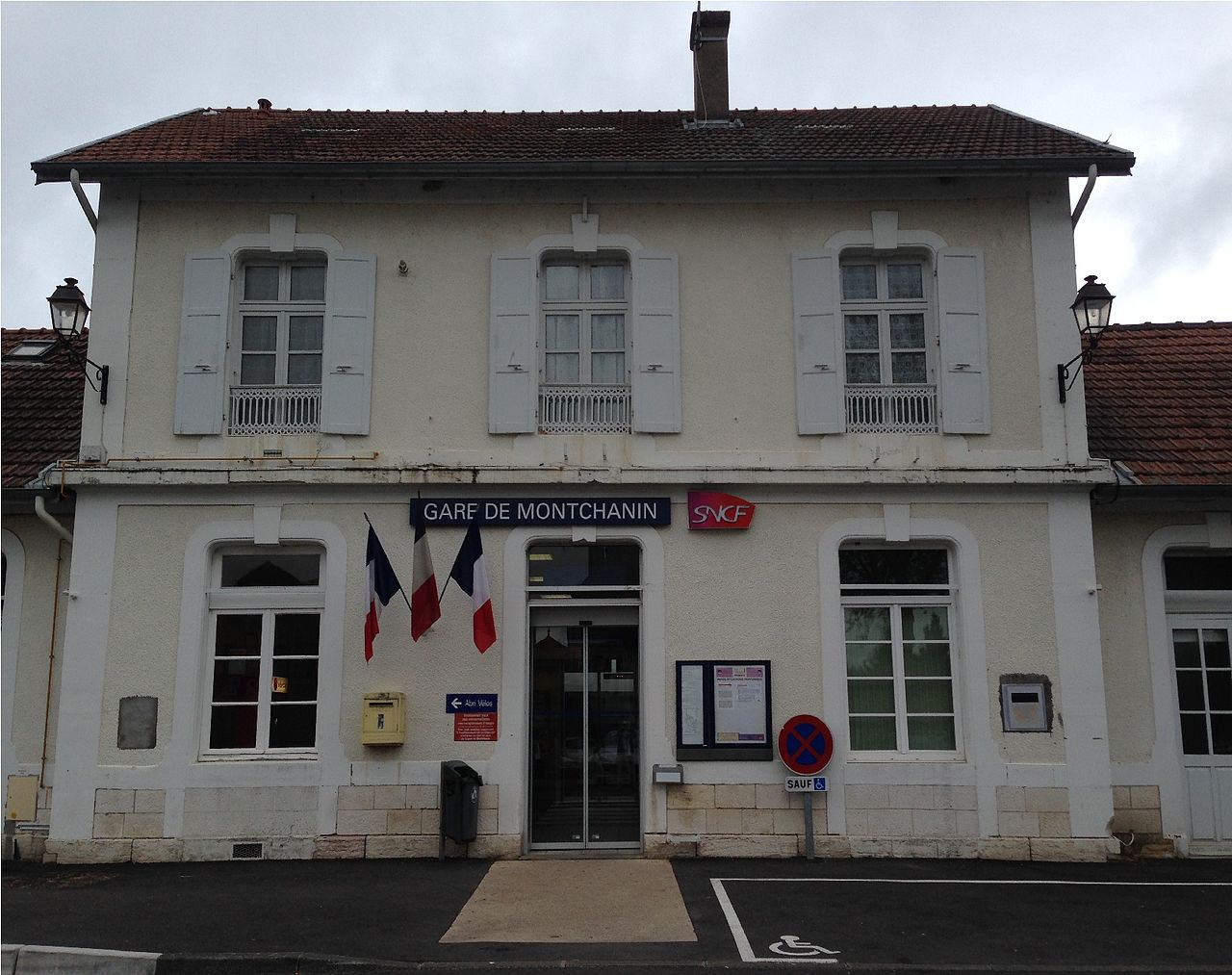 Montchanin-train-station