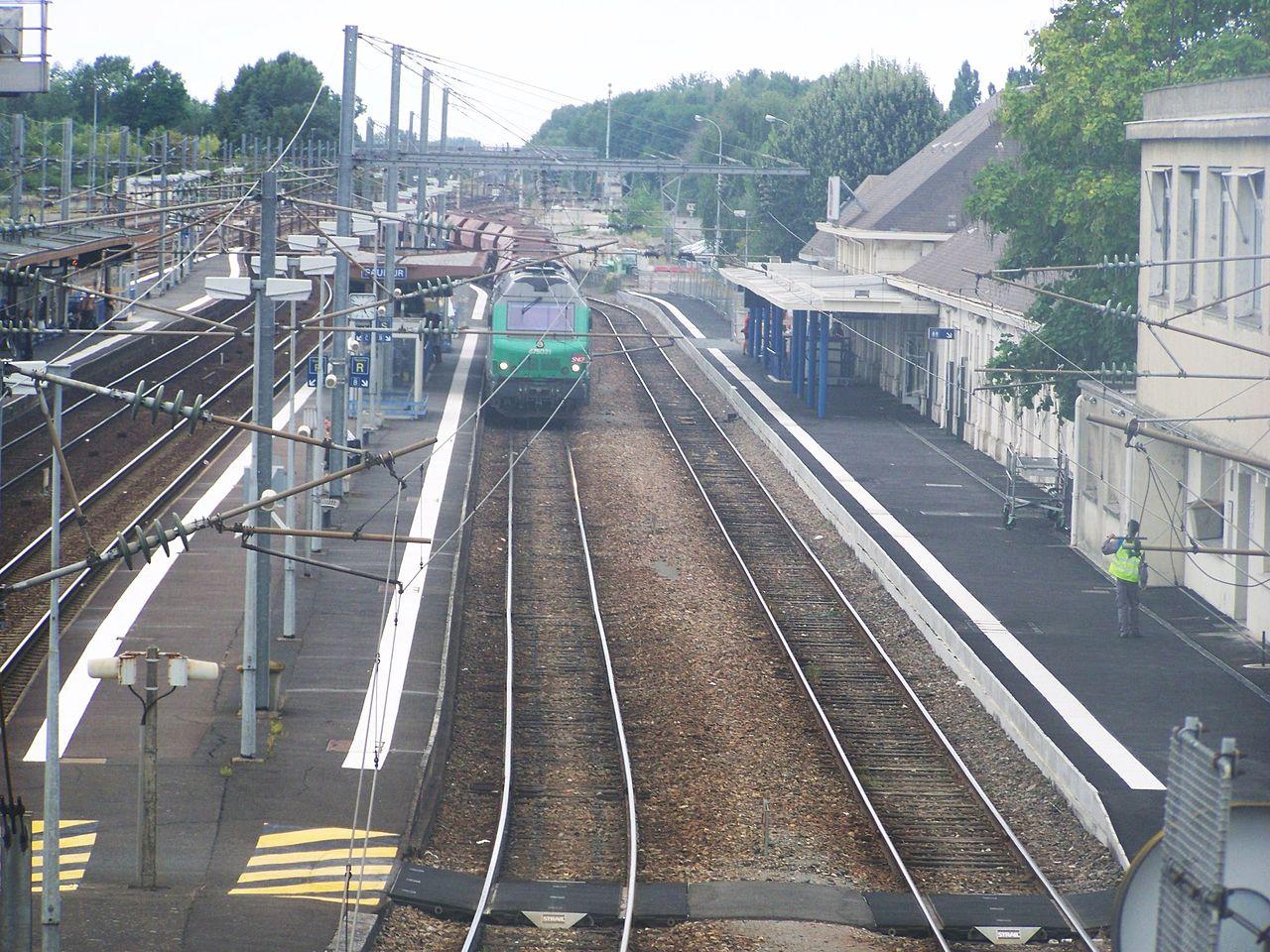 Saumur-train-station