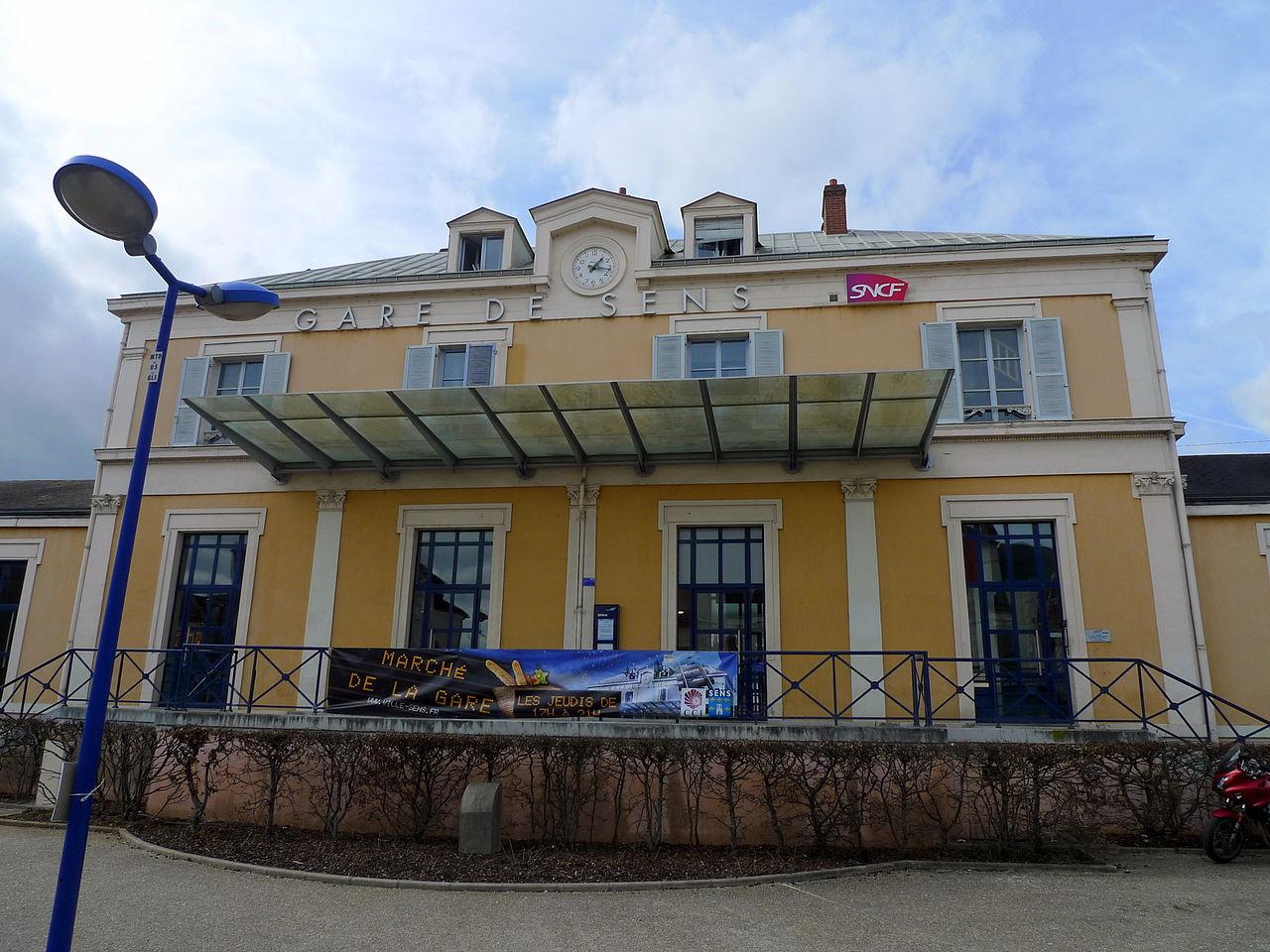 Sens-train-station