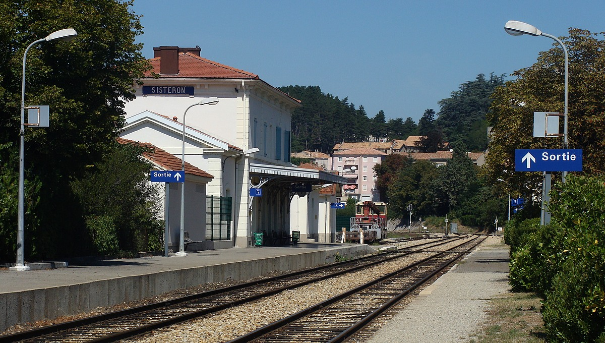 Sisteron-train-station