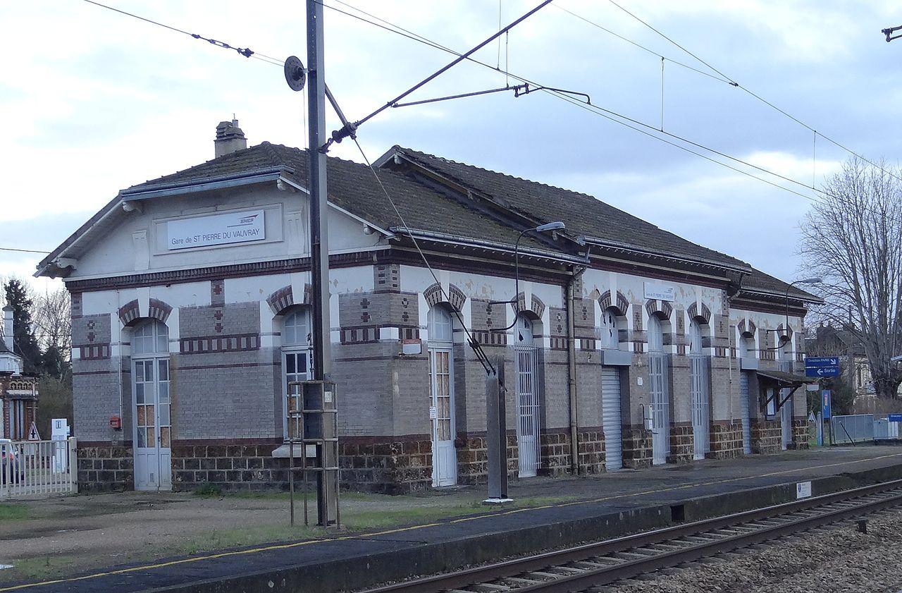 St-Pierre-du-Vauvray-train-station