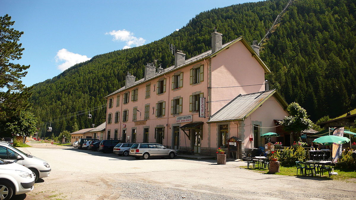 Vallorcine-train-station