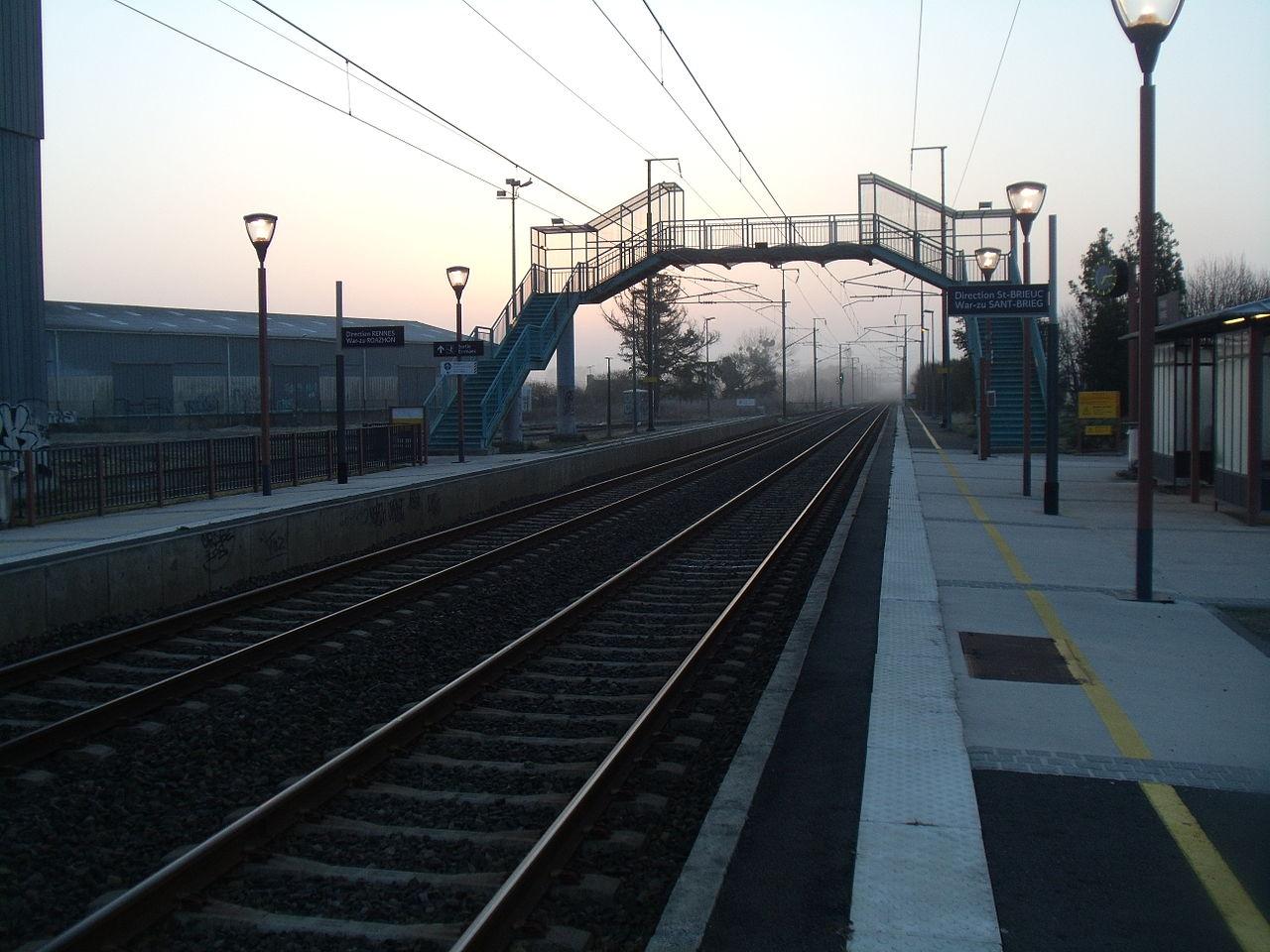 Yffiniac-train-station