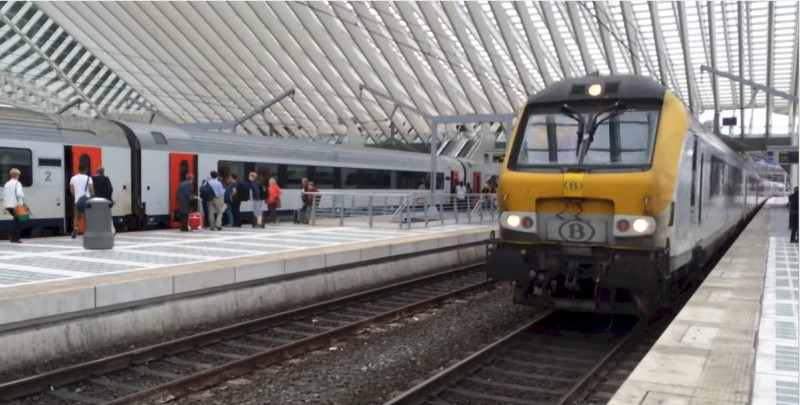1873_Belgium-intercity-train