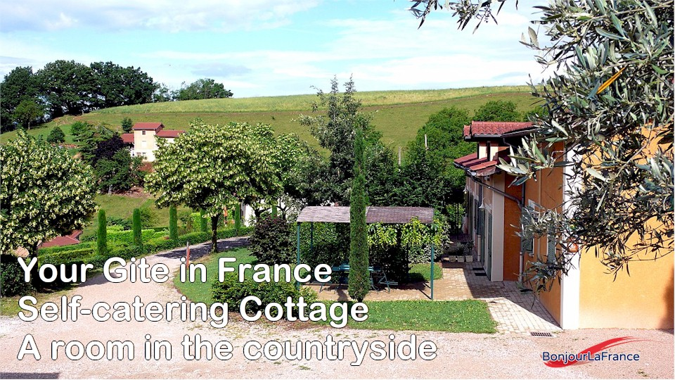 gite-france-self-catering-cottage-room-countryside