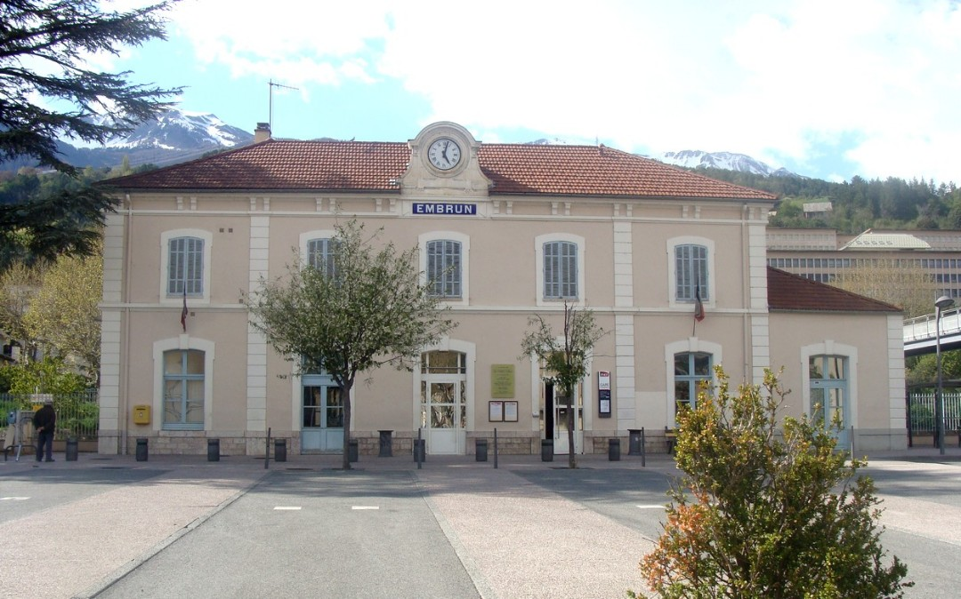 Embrun-train-station