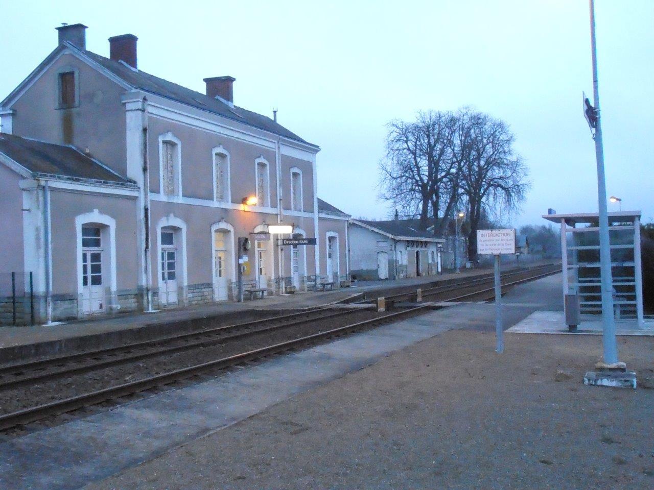 gare-d-aubigne-racan-train-station