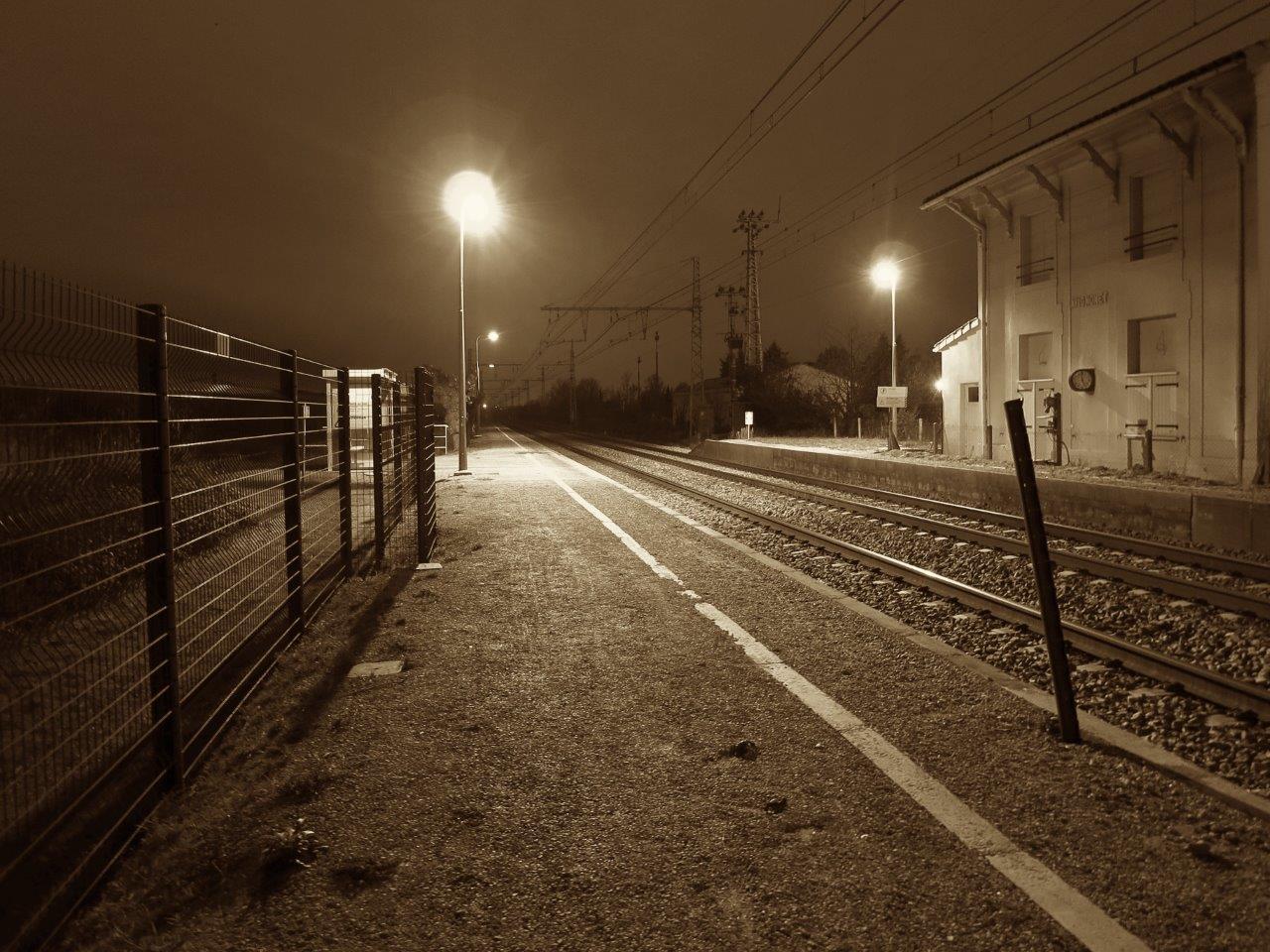 gare-d-avignonet-train-station