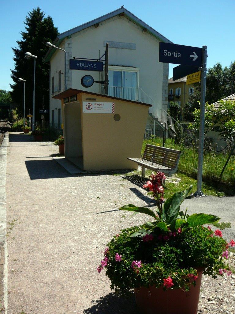 gare-d-etalans-train-station