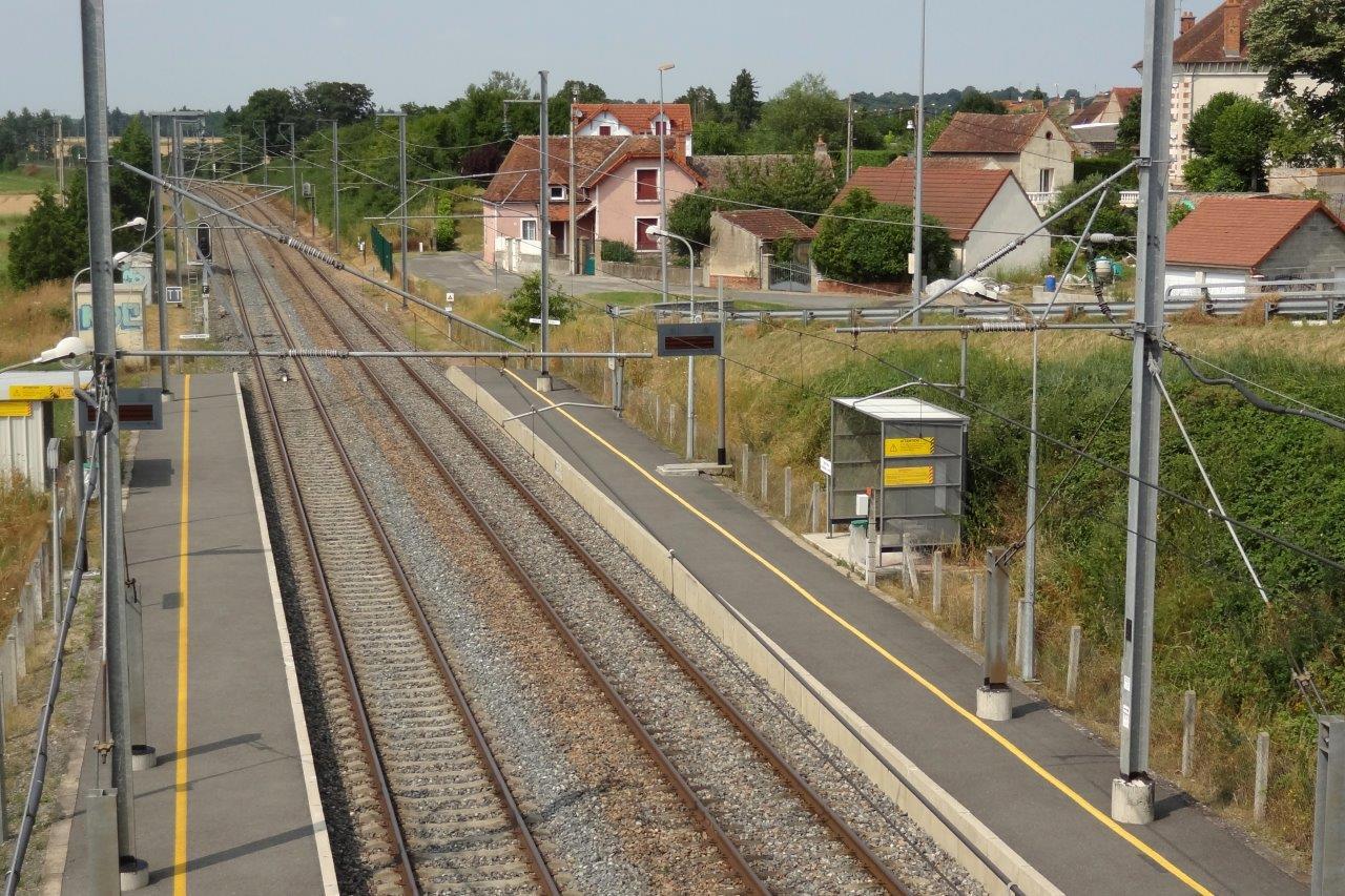 gare-de-bessay-sur-allier-train-station