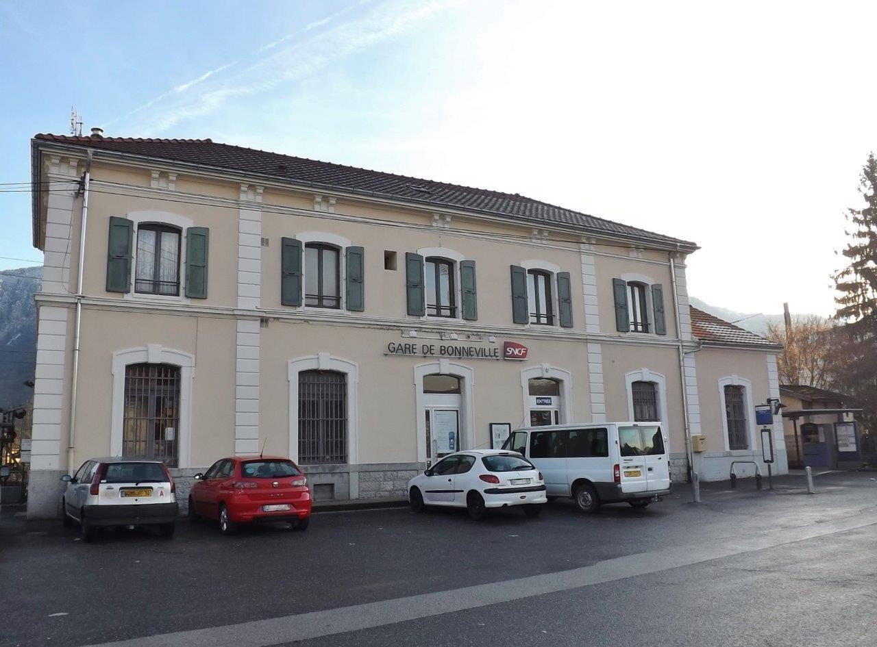 gare-de-bonneville-train-station