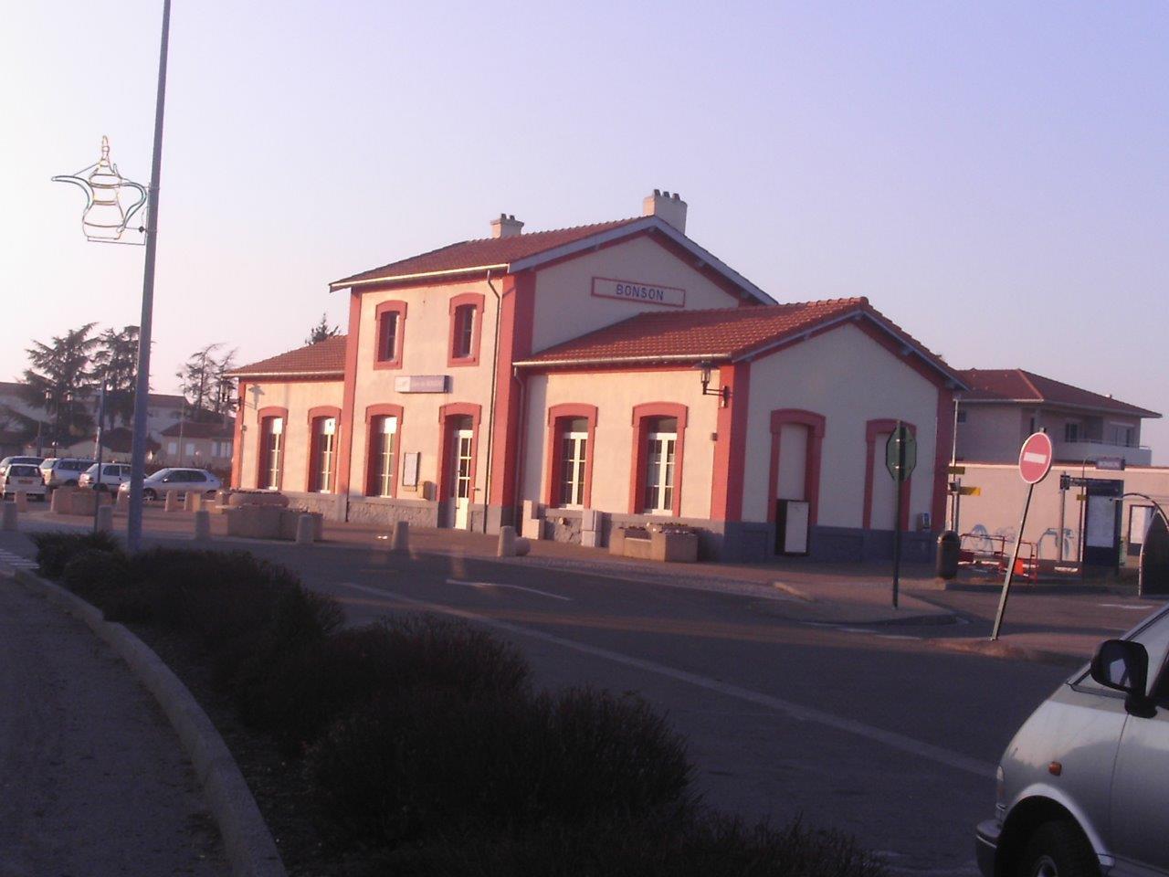 gare-de-bonson-train-station
