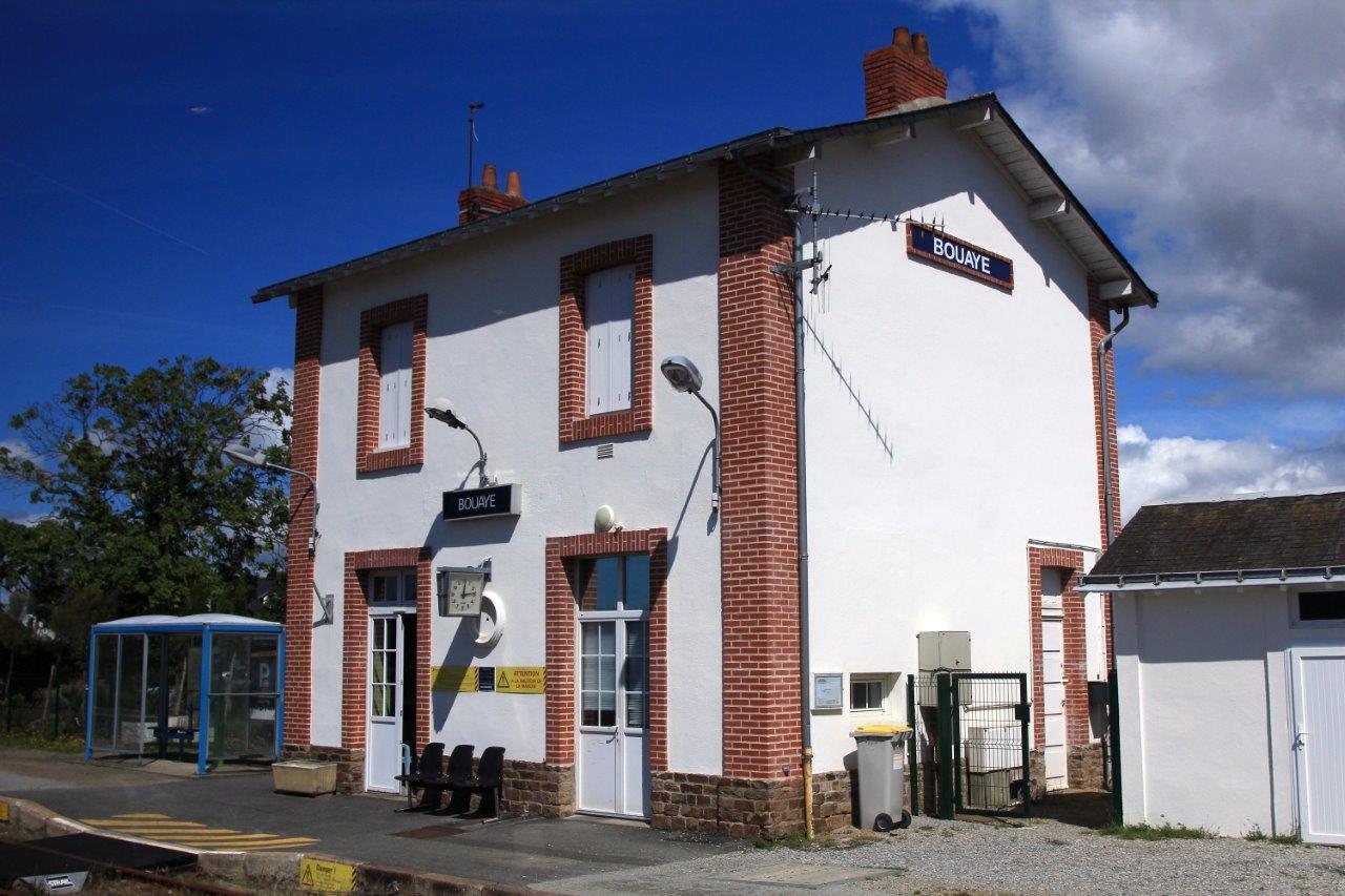 gare-de-bouaye-train-station