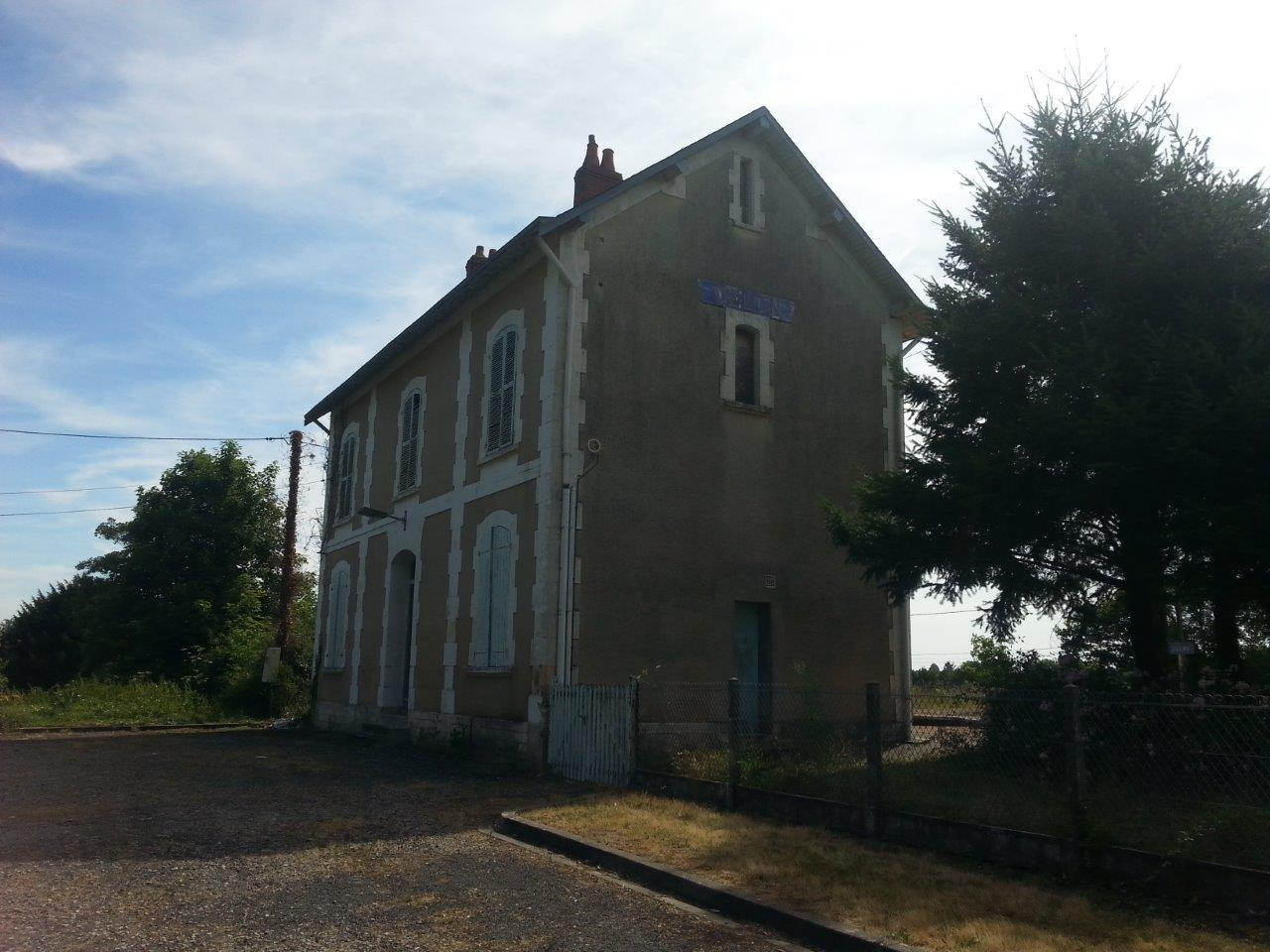 gare-de-celon-train-station