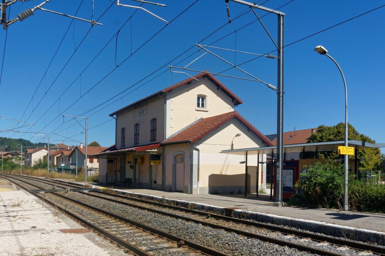 gare-de-châbons-train-station
