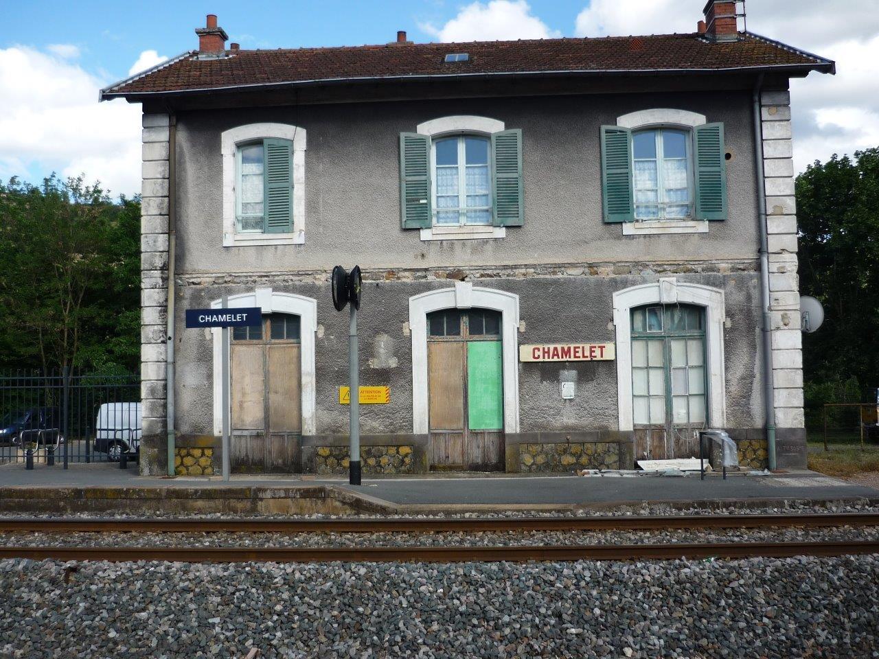 gare-de-chamelet-train-station