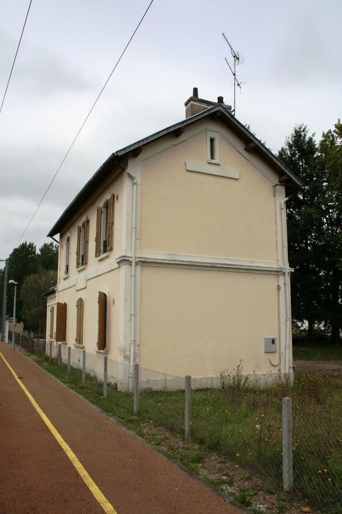 gare-de-chantenay-saint-imbert-train-station