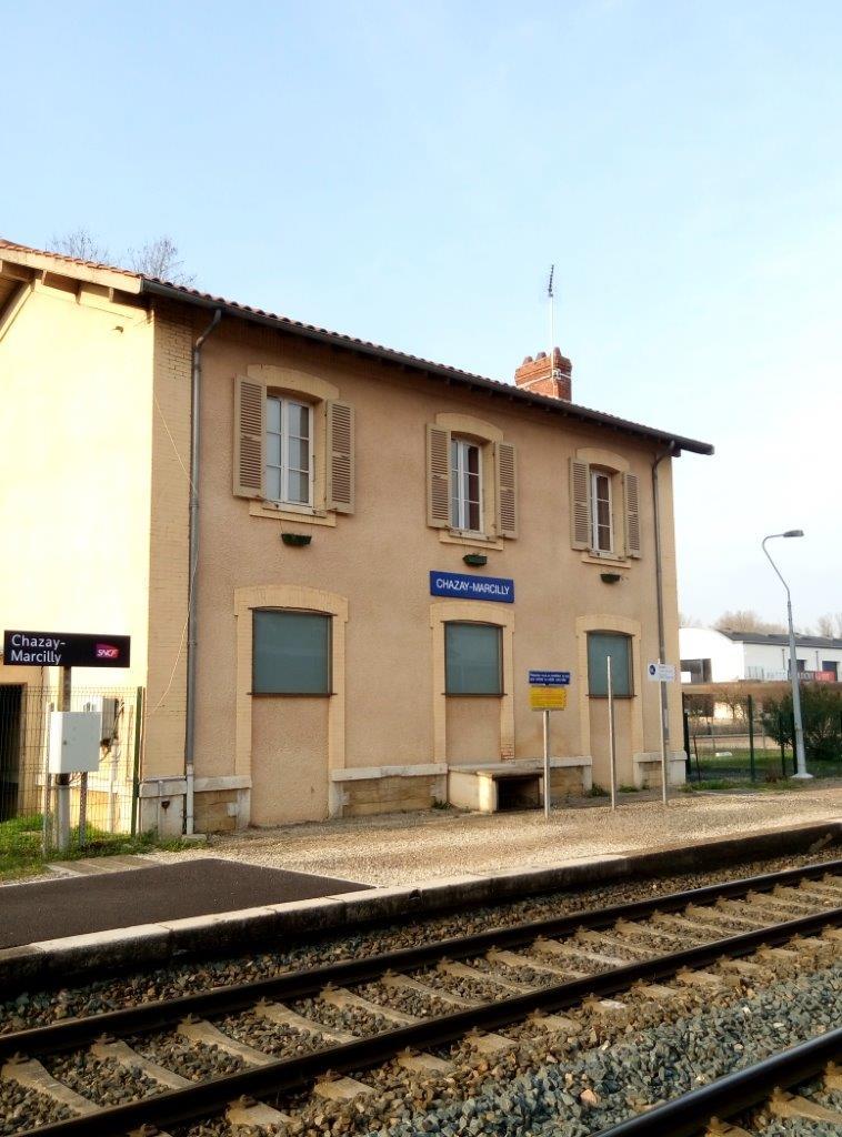 gare-de-chazay-marcilly-train-station
