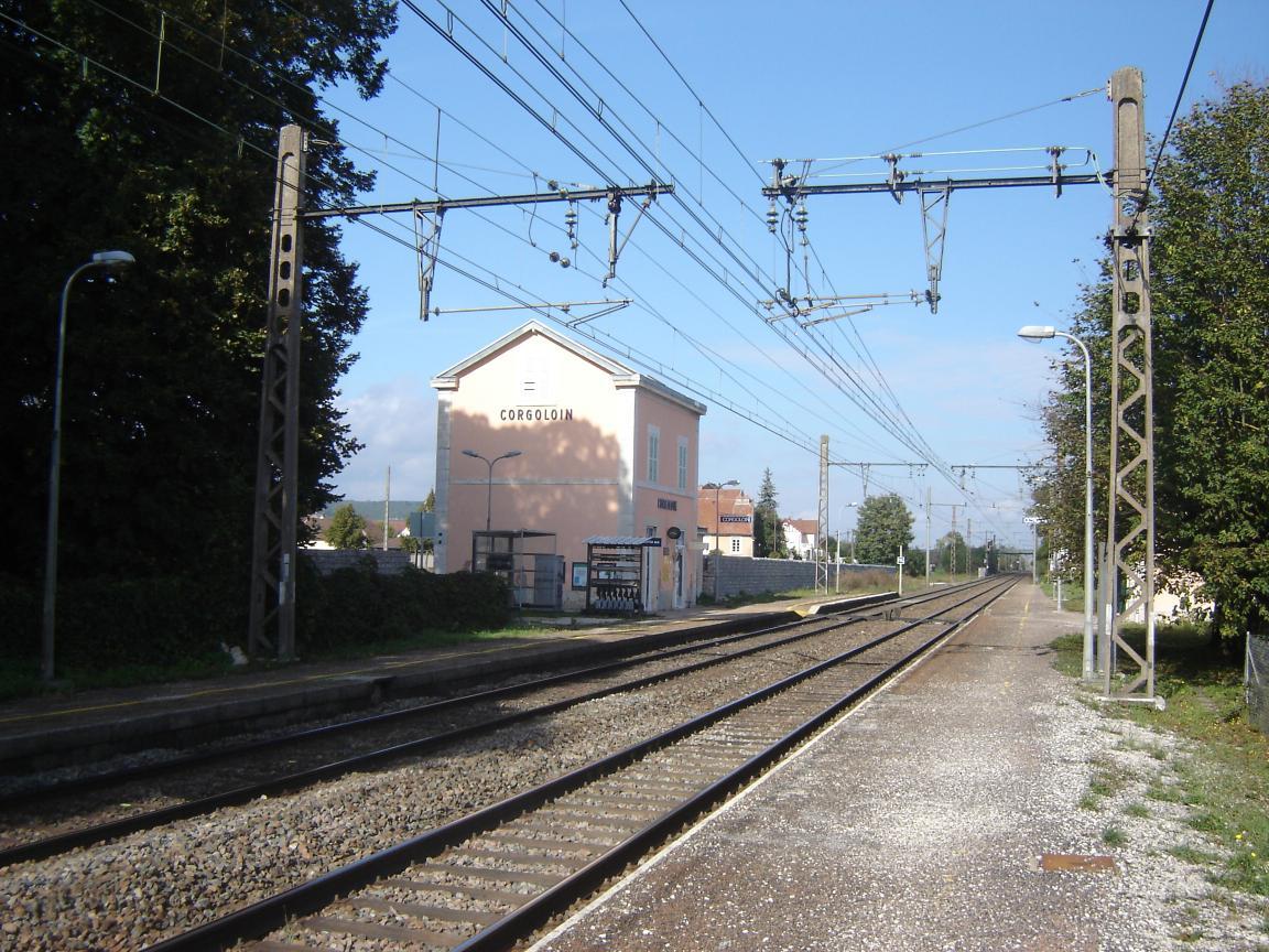 gare-de-corgoloin-train-station