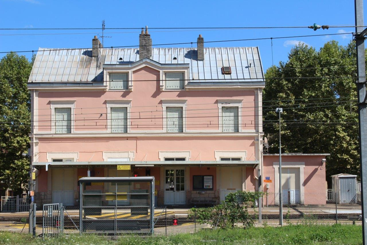 gare-de-fleurville-pont-de-vaux-train-station