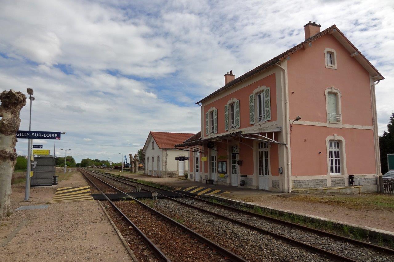 gare-de-gilly-sur-loire-train-station
