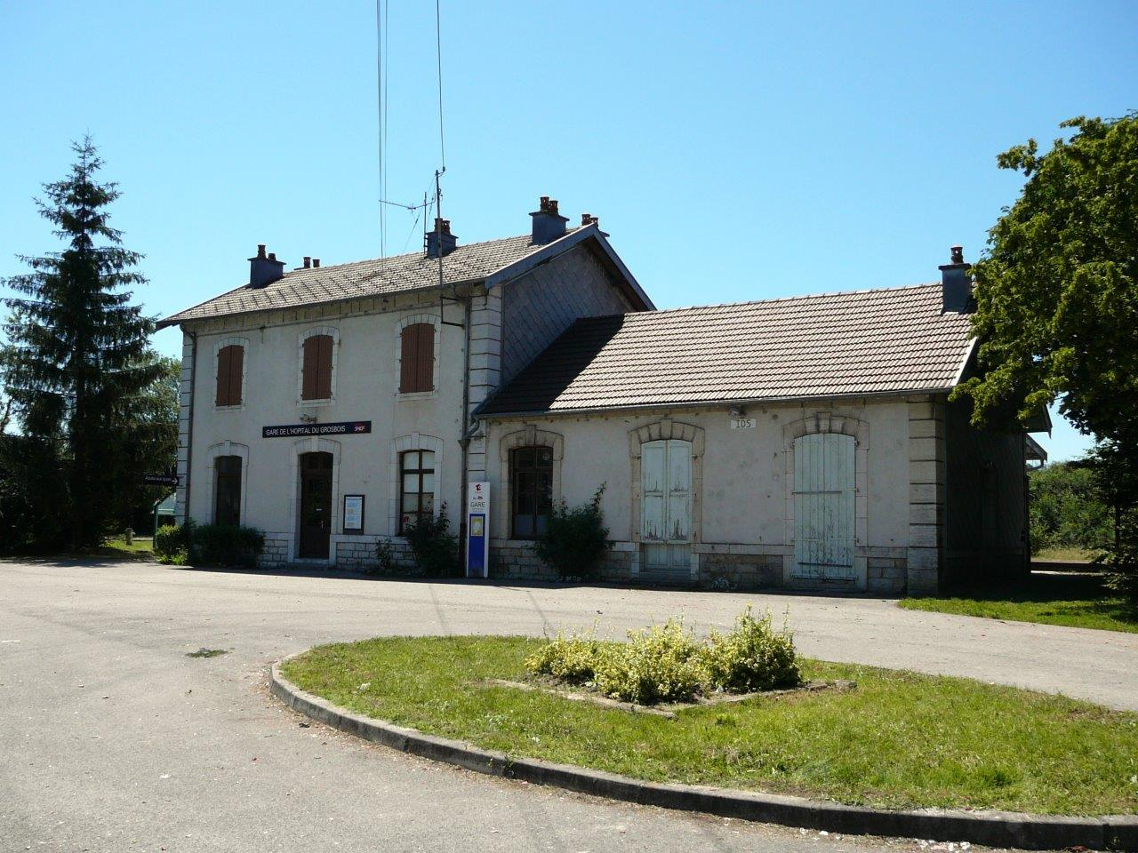 gare-de-l-hopital-du-grosbois-train-station
