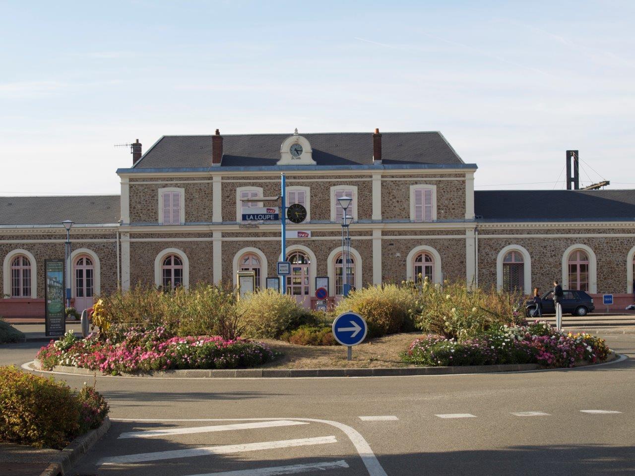 gare-de-la-loupe-train-station