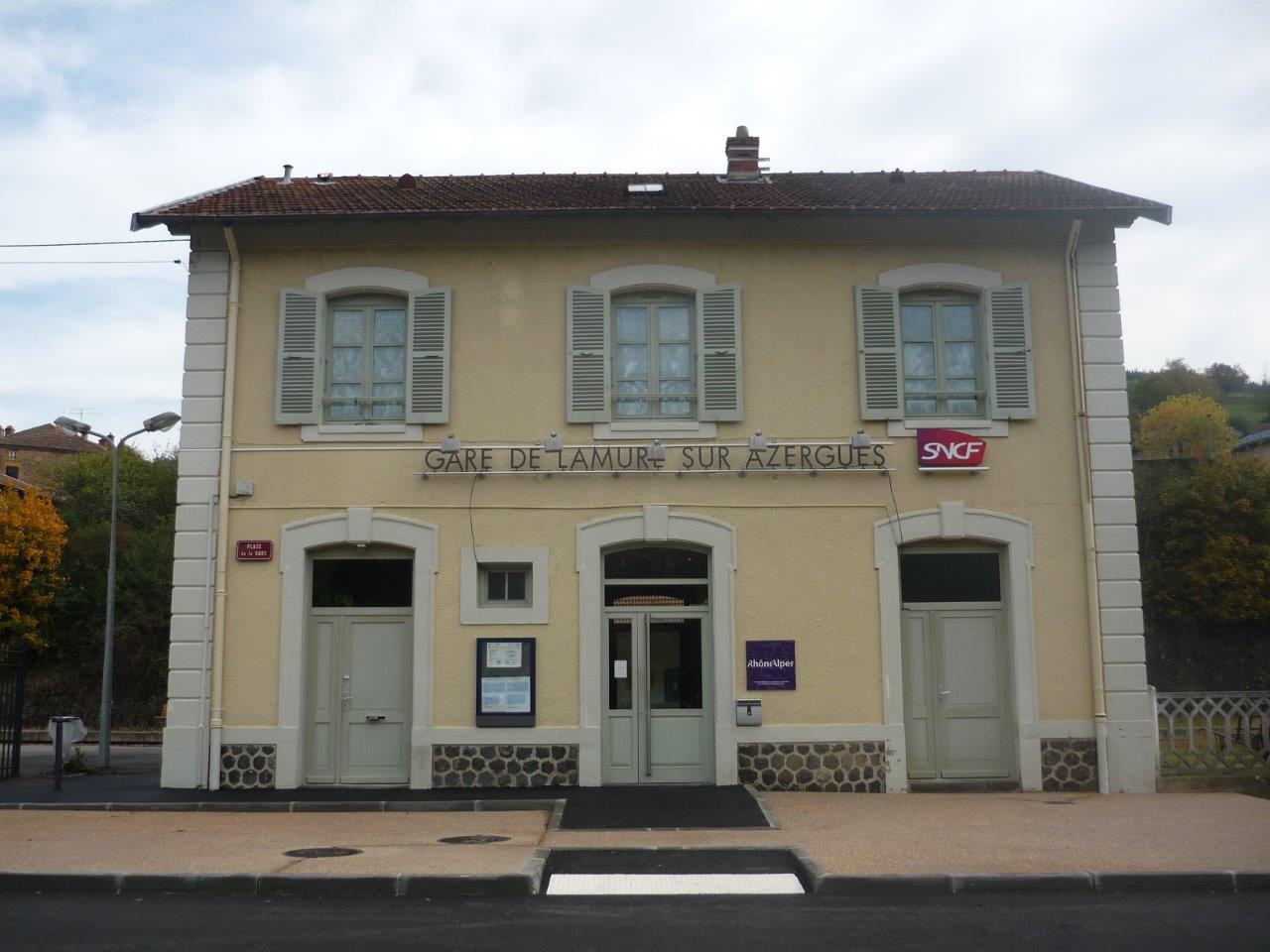 gare-de-lamure-sur-azergues-train-station