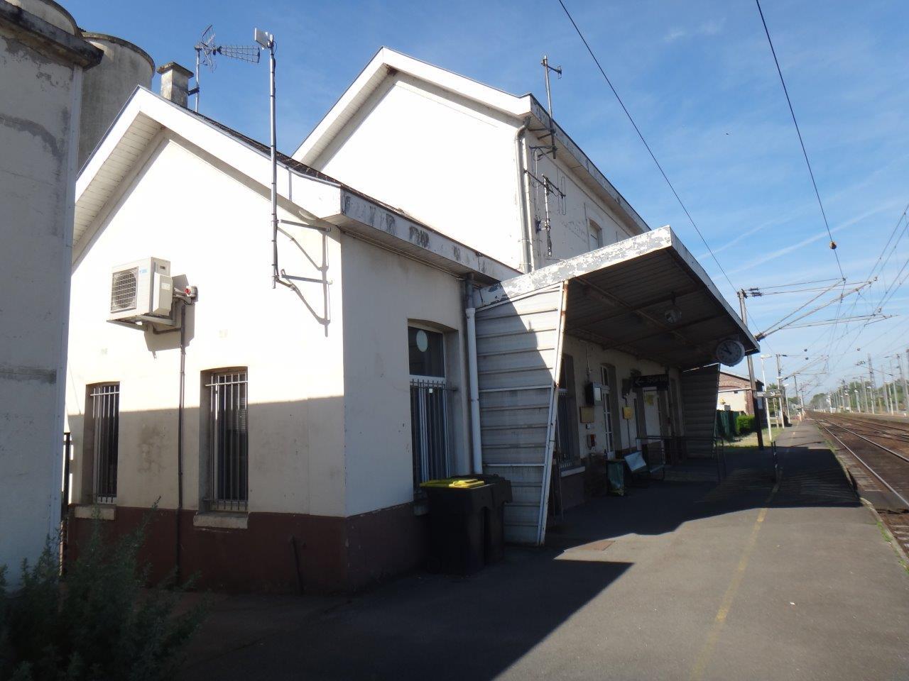 gare-de-longueil-sainte-marie-train-station